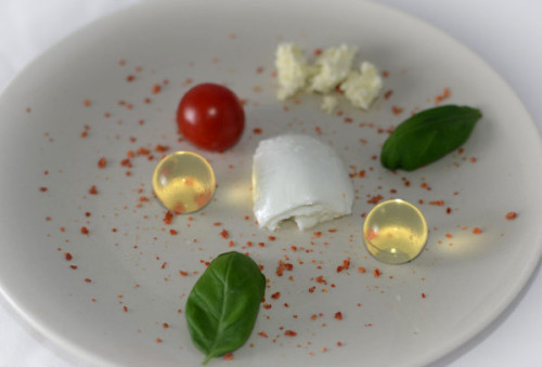 молекулярный салат Капрезе